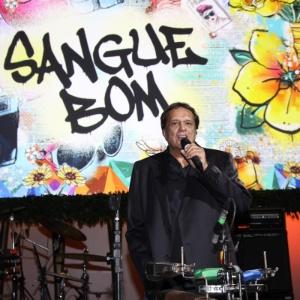 """Denis Carvalho na festa de lançamento de """"Sangue Bom"""" em São Paulo"""