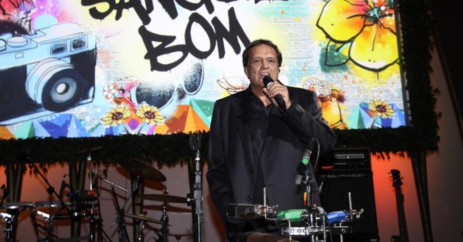 """17.abr.2013 - Denis Carvalho na festa de lançamento de """"Sangue Bom"""" em São Paulo"""