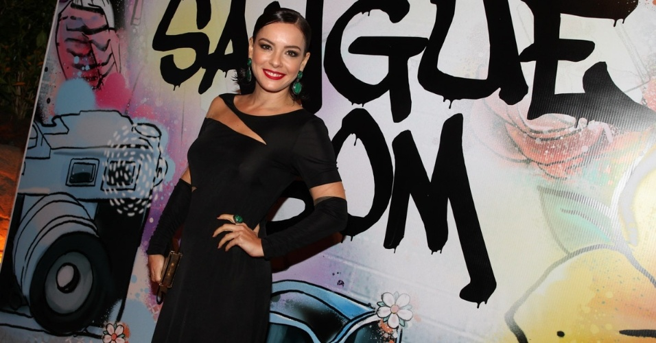 """17.abr.2013 - Regiane Alves na festa de lançamento de """"Sangue Bom"""" em São Paulo"""