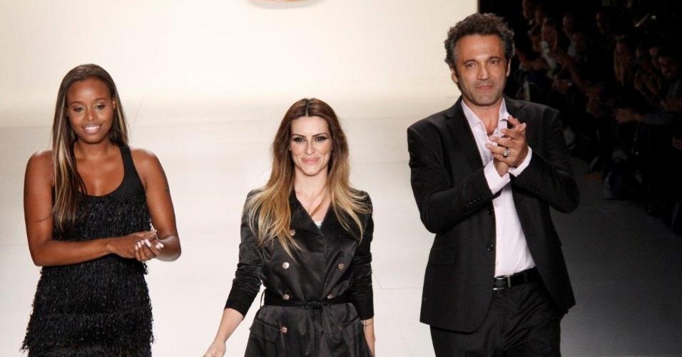 17.abr.2013 - Roberta Rodrigues, Domingos Montagner e Cléo Pires desfilando pela grife TNG no Fashion Rio Verão 2013 na Marina da Glória, zona sul do Rio