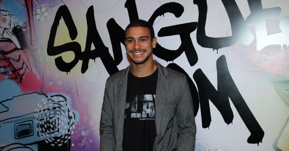 """17.abr.2013 - Sergio Malheiros na festa de lançamento de """"Sangue Bom"""" em São Paulo"""