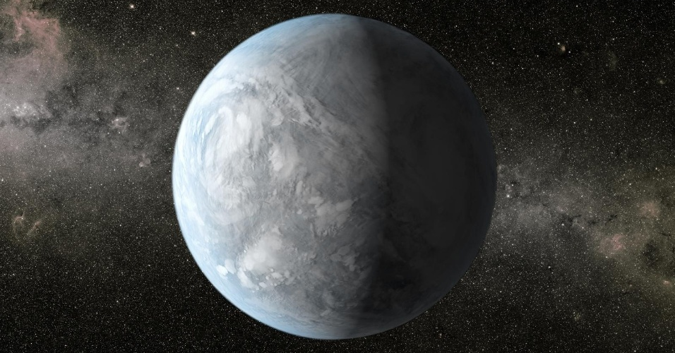 18.abr.2013- O Kepler-62e (em concepção artística na imagem) é 60% maior do que a Terra e está a 1.200 anos-luz de distância, na zona habitável de seu sistema planetário. Sua órbita é de 122 dias e o coloca em uma região em que sua temperatura seria favorável à vida, entretanto, os cientistas não sabem se o planeta tem água ou uma superfície sólida