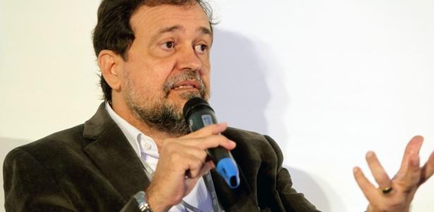 O senador Walter Pinheiro (sem partido-BA), autor de projeto que determina novas eleições para presidente ainda este ano
