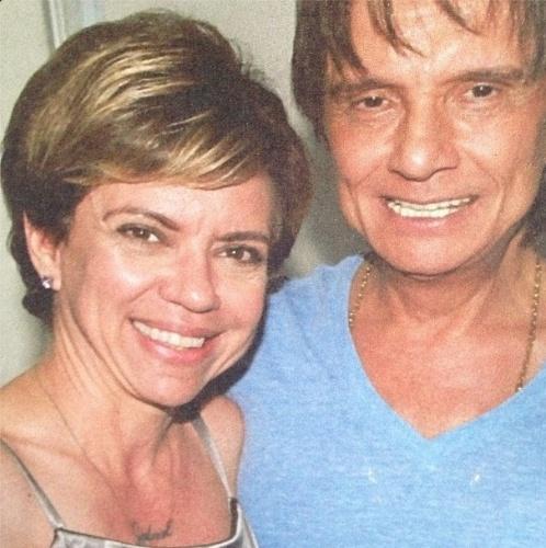 19.abr.2013 - Astrid Fontenelle publica foto ao lado de Roberto Carlos