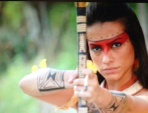 """19.abr.2013 - Cleo Pires posta uma foto em homengem ao Dia do Índio. A atriz aparece caracterizada de sua personagem Estela na novela """"Araguaia"""" em 2010."""