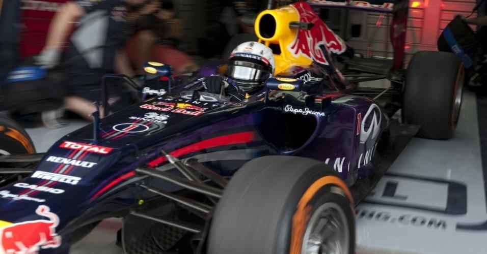19.abr.2013 - O atual campeão do mundo Sebastian Vettel terminou o primeiro treino livre no Bahrein em 4°