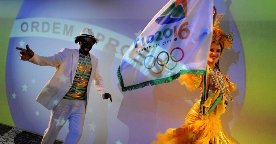 Dançarinas na campanha por Rio-2016