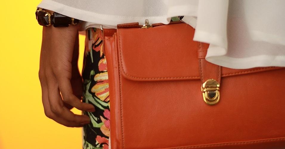 19 abr. 2013 - Luana usa bolsa Renner
