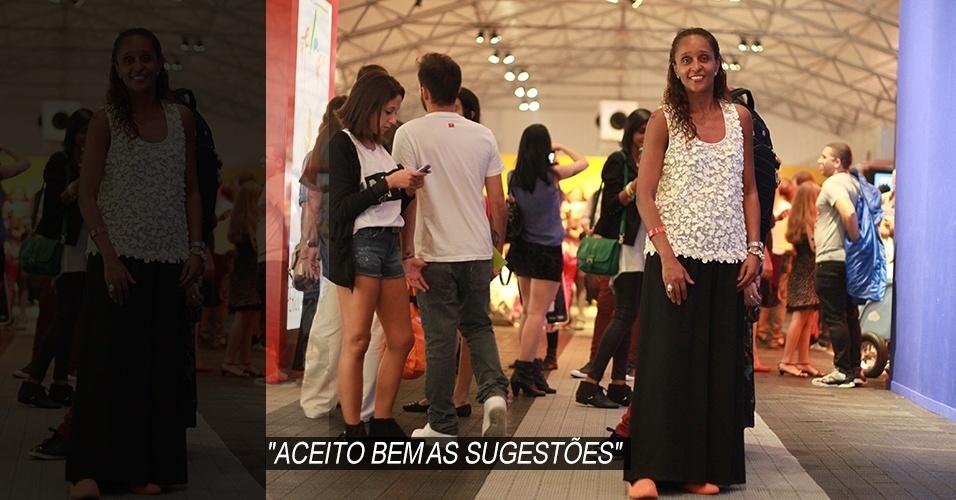 19 abr. 2013 - Mônica Pizza, 48, professora universitária, combina blusa Zara a calça comprada em uma lojinha de Lisboa. A pulseira também foi comprada em Portugal