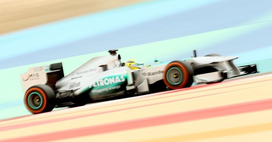 20.abr.2013 - Nico Rosberg disputa o treino de classificação do GP do Bahrein