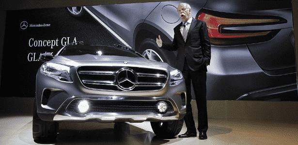 Dieter Zetsche, chefão da Mercedes-Benz, apresenta o SUVinho GLA Concept, baseado no novo Classe A - Eugene Hoshiko/AP