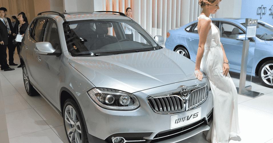 Brilliance V5 lembra muito o alemão BMW X1 com razão: marcas são parceiras no mercado chinês e compartilham tecnologia - Newspress