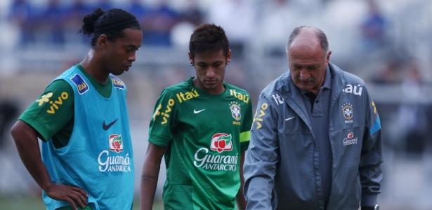 Em abril de 2013, com Felipão, Neymar e Ronaldinho, Brasil empatou com o Chile
