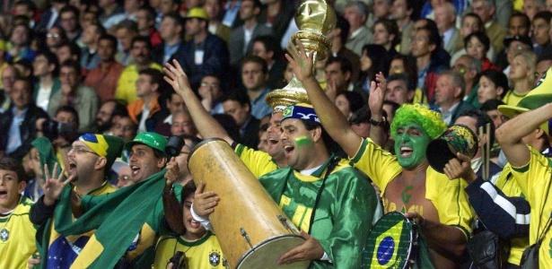 Os torcedores foram às Copas de 1998, 2002 e 2006 com tudo pago - Jorge Araújo/Folhapress