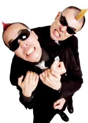 A dupla de comediantes japoneses Gamarjobat, destaque do Risadaria 2013 - Divulgação