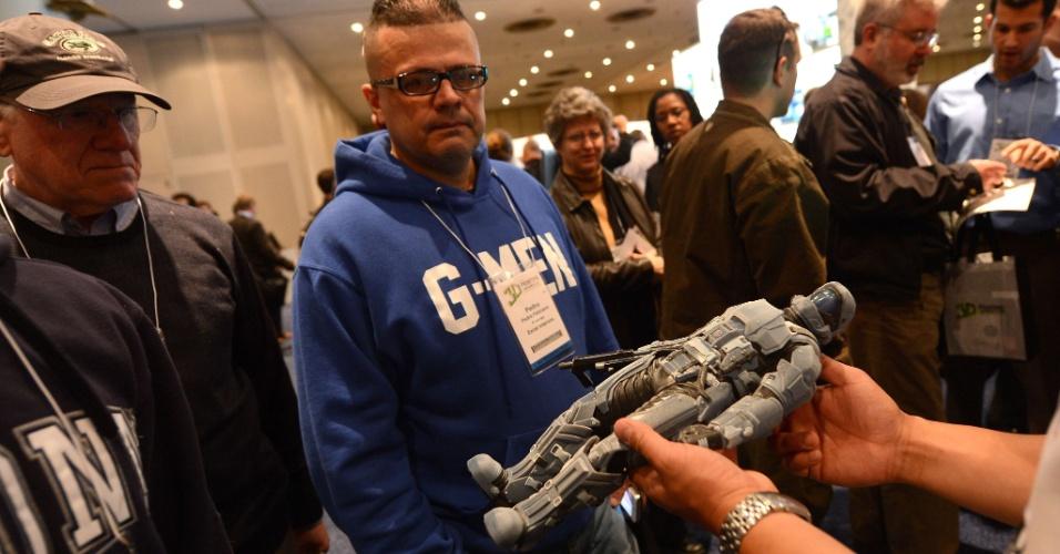 O boneco acima foi exibido no evento 'Inside 3D Printing' (por dentro da impressão 3D, em tradução livre), realizado em Nova York, nos dias 22 e 23 de abril de 2013