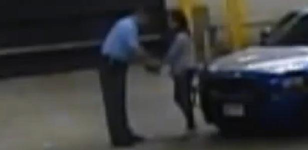 Vídeo mostra Reese Witherspoon algemada após prisão