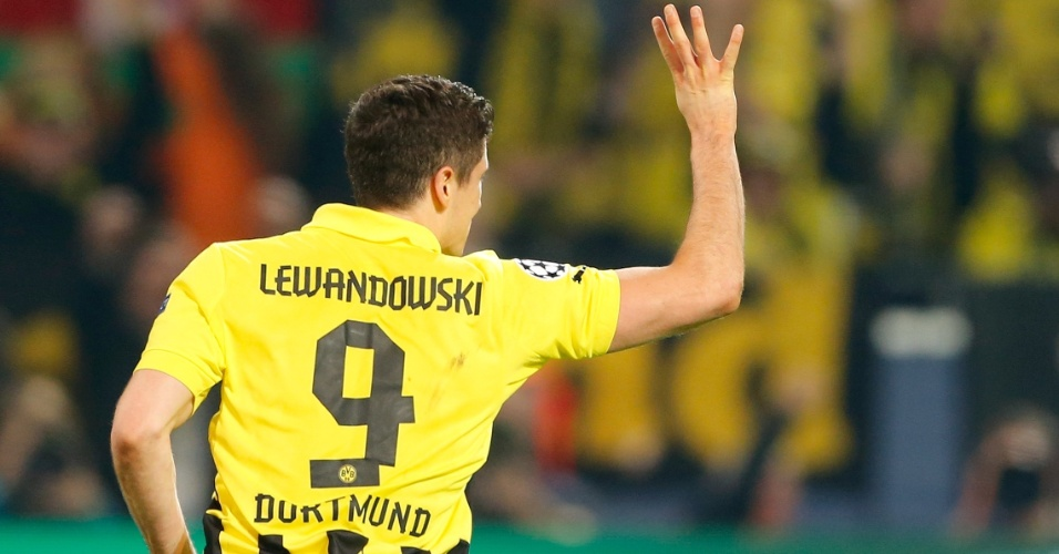 24.abr.2013 - Lewandowski fez os quatro gols da vitória do Borussia Dortmund sobre o Real Madrid por 4 a 1 na primeira partida da semifinal da Liga dos Campeões