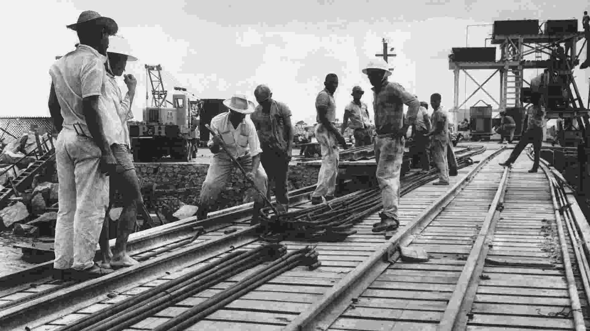 Construção de ferrovia Vitória a Minas, Itabira Iron Ore - Vale