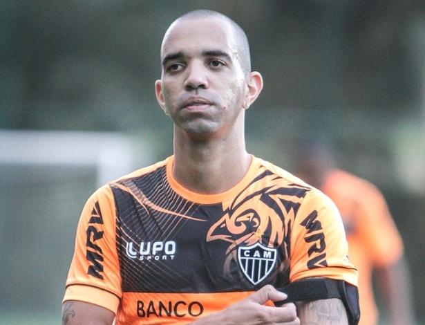 Diego Tardelli durante treino do Atlético-MG na Cidade do Galo (23/4/2013)