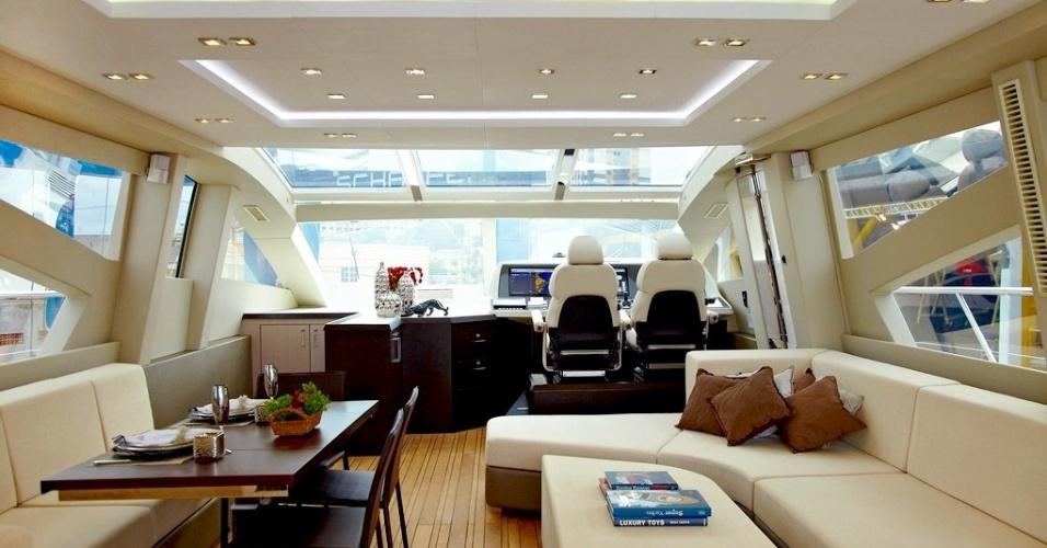 Interior do Schaefer 800, avaliado em R$ 12 milhões
