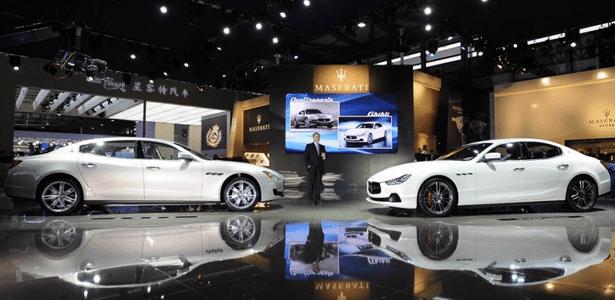 Vender é preciso: Quattroporte longo (à esquerda) e Ghibli são novidades para entregar 50 mil carros - Divulgação