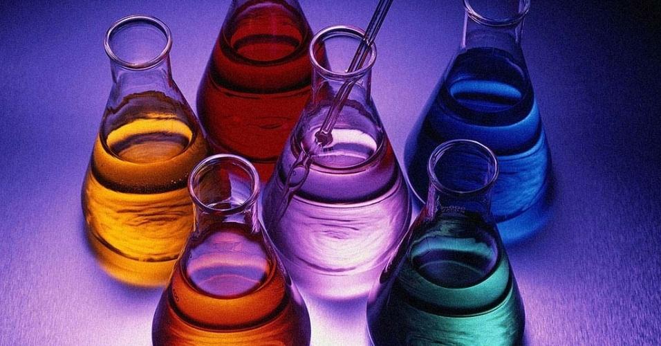 Os cursos da área de Química recebem 1.252 bolsas de mestrado, 1.011 de doutorado e 200 de pós-doc, segundo mapeamento da Capes em 2011. É a sexta área com mais bolsas