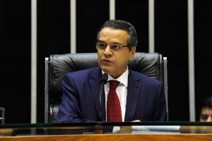 O presidente da Câmara dos Deputados, Henrique Eduardo Alves (PMDB-RN), participa de homenagem aos 30 anos da Emenda Dante de Oliveira nesta quinta