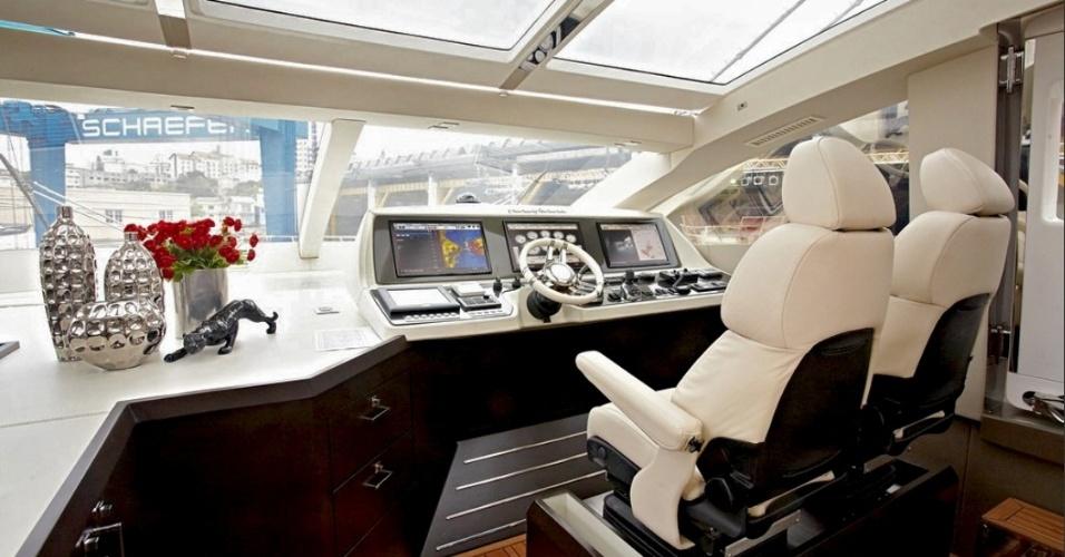 A autonomia da embarcação é de 300 milhas náuticas (cerca de 550 km), e permite ao condutor fazer uma viagem sem paradas entre Guarujá (SP) e Rio de Janeiro (RJ), por exemplo
