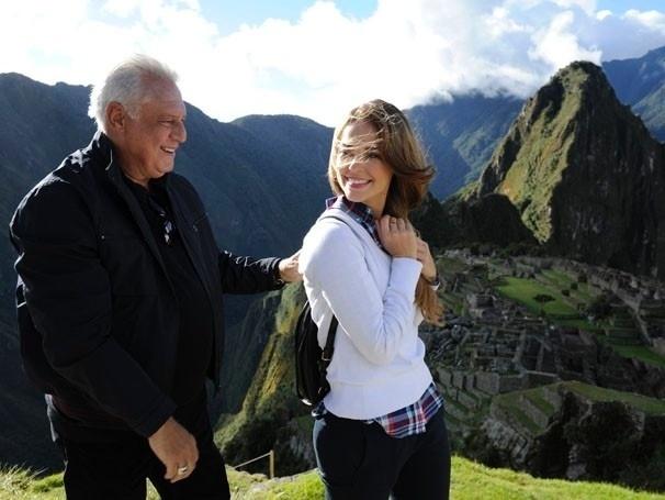 """Ator Antônio Fagundes grava cena de """"Amor à Vida"""" com Paolla Oliveira no Peru"""