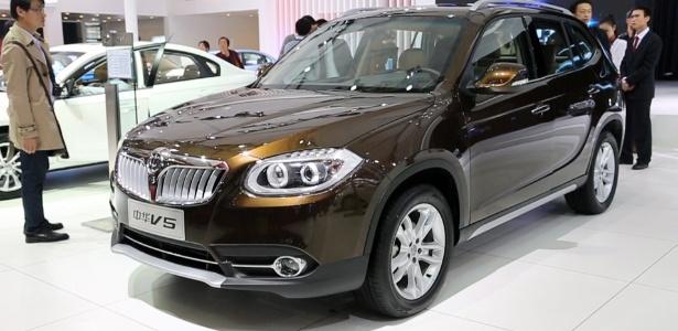 Brilliance V5 é releitura autorizada do BMW X1 para o mercado chinês - Divulgação
