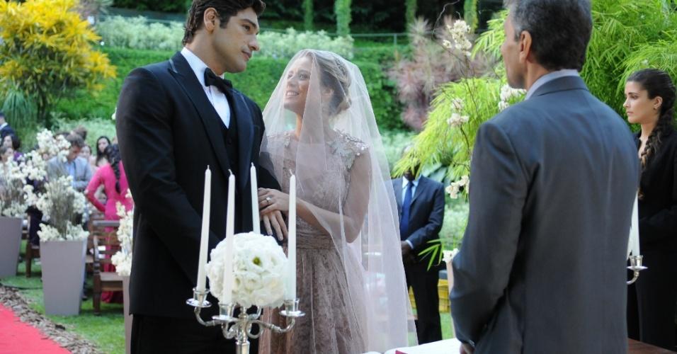 """Em """"Balacobaco"""", Norberto tenta matar Eduardo no dia de seu casamento com Isabel"""