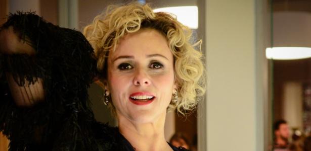 """Uma das principais atrações da novela, Giulia Gam vive a atriz decadente Barbara Ellen em """"Sangue Bom"""""""