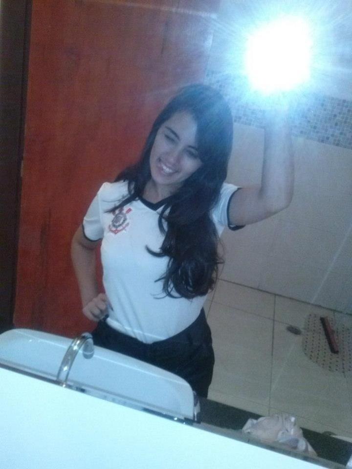 Hayene Fracaro está entre candidatas a representar o Corinthians no Belas da Torcida 2013