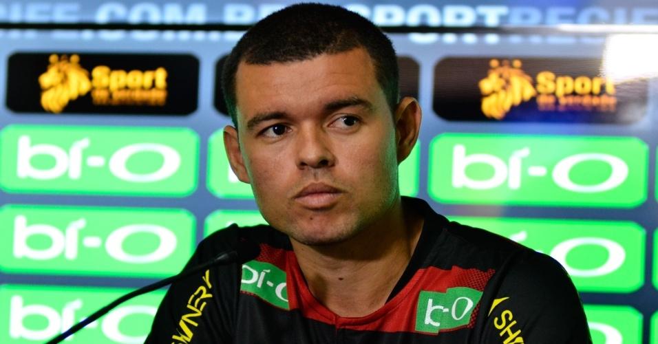 Marcelo Cordeiro concede primeira entrevista coletiva como jogador do Sport