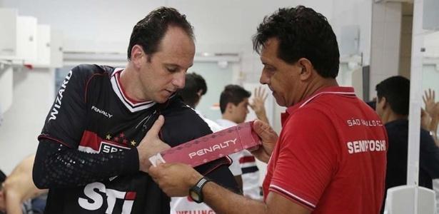 Rogério Ceni nos tempos de goleiro ao lado de Haroldo