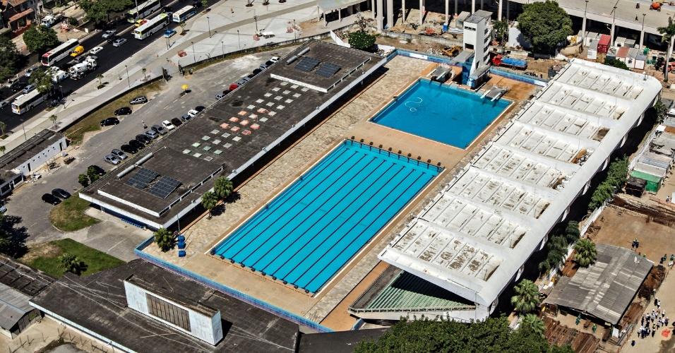 12.abr.2013 - Parque Aquático Julio Delamare será retirado do Complexo Esportivo do Maracanã
