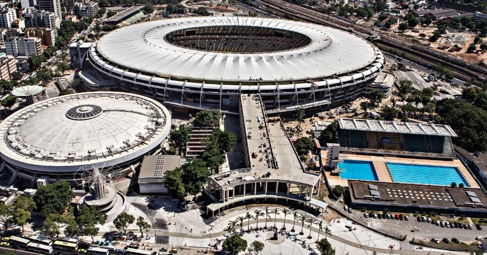 12.abr.2013 - Vista do Maracanã, como Julio Delamare à direita e Maracanãzinho à esquerda