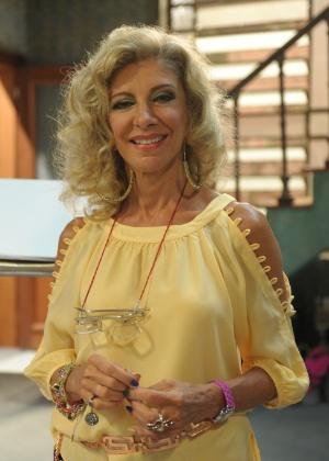 """Marília Pêra volta a gravar """"Pé na Cova"""" após afastamento por desgaste nos ossos do quadril"""