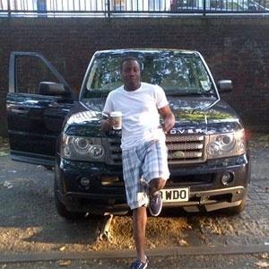 Polícia chegou à gangue depois de um dos integrantes publicar a imagem acima - Reprodução/Daily Mail