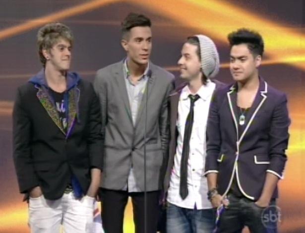 28.abr.2013 - A banda Restart recebe prêmio no Troféu Imprensa 2013.