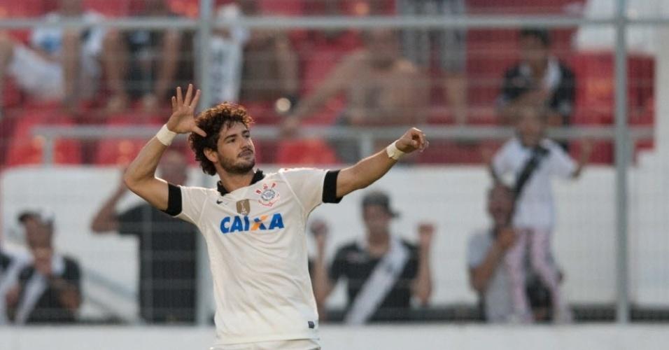 Pato marcou um golaço, o quarto do Corinthians na vitória contra a Ponte Preta