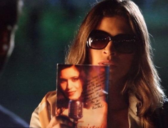"""29.abr.2013 - Em """"Flor do Caribe"""", Ester pressiona Cassiano para saber se ele se envolveu com Cristal"""