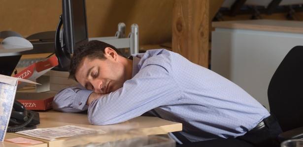 Fracionar o sono aumenta a produtividade, mas coloca a saúde em risco