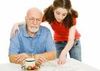 Cuidadores de parentes com alzheimer relatam desafios do dia a dia - Thinkstock