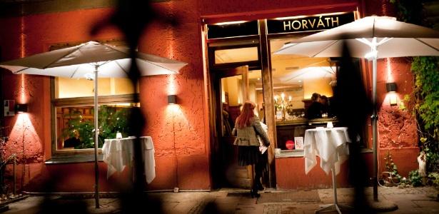 O elogiado Horvath, em Berlim, tem vista para o canal Landwehr, em Kreuzberg, que recentemente deixou de ser um bairro considerado decadente para abrigar boutiques, ateliês e cafés