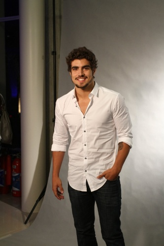30.abr.2013 - Caio Castro prestigiou a coletiva de lançamento da novela