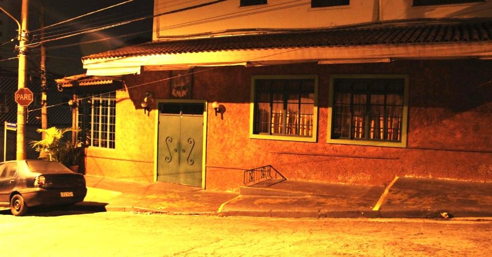30.abr.2013 - Dois homens armados com revólver e pistola fizeram um arrastão no bar e restaurante Gogó da Ema, no bairro do Morumbi, zona oeste de São Paulo, na noite desta segunda-feira (29). Os ladrões teriam rendido entre dez e 15 pessoas que estavam no restaurante, e passaram a recolher carteiras, celulares, relógios e outros objetos de valor