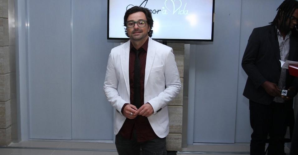 """30.abr.2013 - Emilio Orciollo Netto prestigiou a coletiva de lançamento da novela """"Amor à Vida"""" no Projac, no Rio"""
