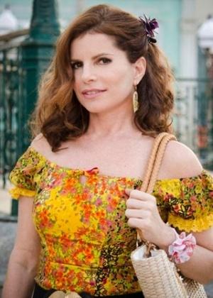 """Débora Bloch aparece caracterizada como Risoleta para a novela """"Saramandaia"""""""